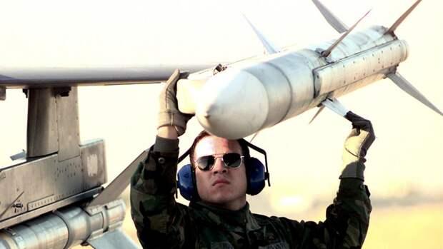 Американская ракета типа AIM-120 AMRAAM