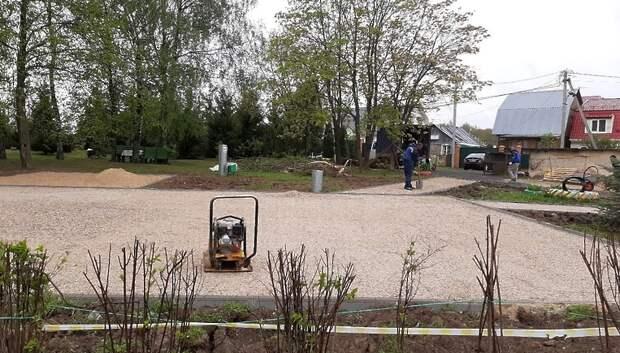 Четыре детские площадки начали устанавливать в микрорайоне Лаговский