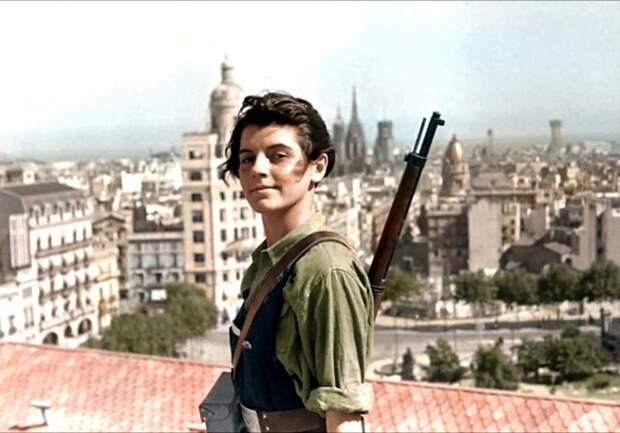 17-летняя коммунистка Марина Гинеста