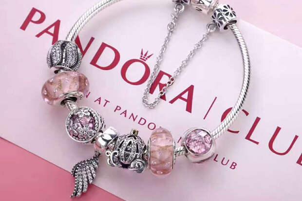 Pandora отказалась от использования натуральных алмазов