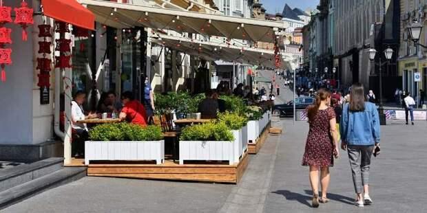 Организации общественного питания и магазины в Москве работают в привычном режиме