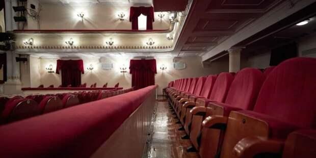 Роспотребнадзор выявил нарушения мер профилактики COVID-19 в театре МДМ