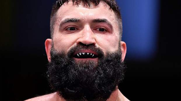 Бывший чемпион UFC пожертвует здоровьем ради гонорара. Прогноз на бой Андрей Орловский — Чейз Шерман