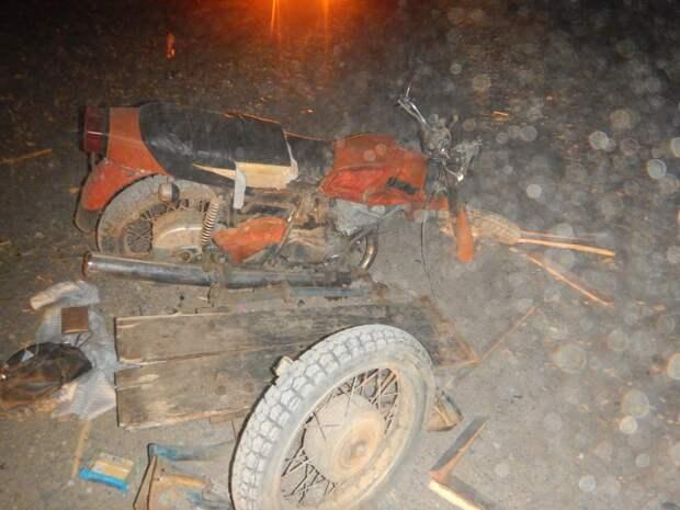 Пассажирка мотоцикла погибла после столкновения с грузовиком в Удмуртии