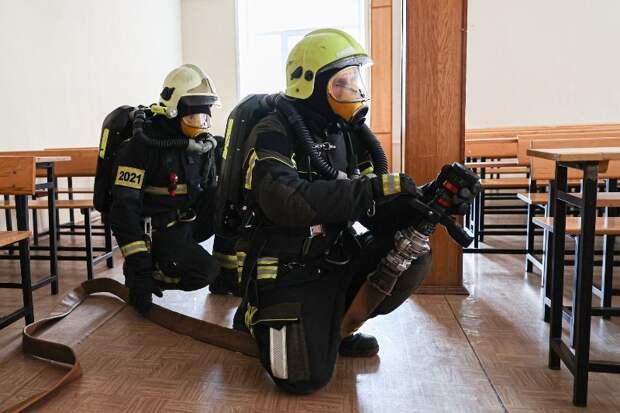 Сработали как часы: пожарные провели учения в Московском государственном юридическом университете имени О.Е. Кутафина