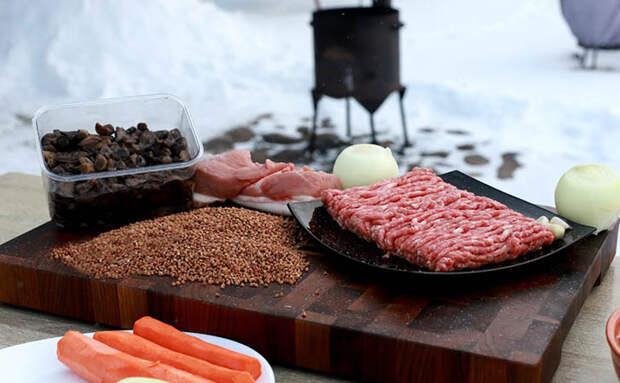 Гречка по-деревенски на обед и ужин: делаем с фаршем, грудинкой и лесными грибами