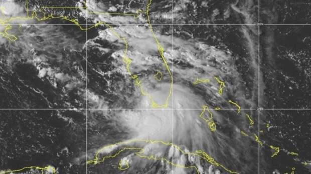 «Салли» превращается в ураган и угрожает побережью Мексиканского залива США
