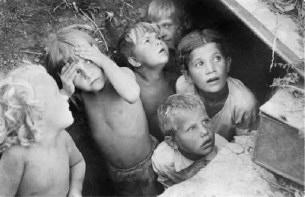 Что стало с 50 000 советских детей, которых фашисты вывезли в Германию
