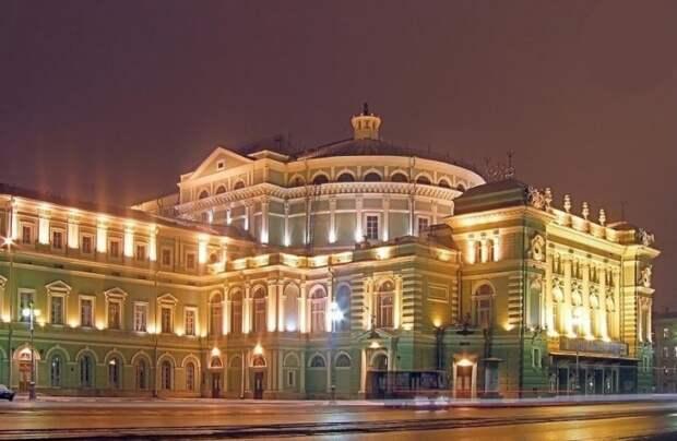 Театры Санкт-Петербурга поразили премьерами после ковидных ограничений