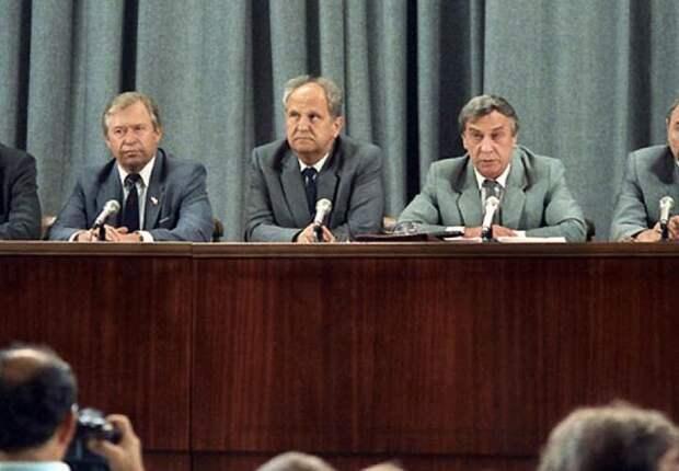 30 лет ГКЧП. Почему не случилась реинкарнация СССР?