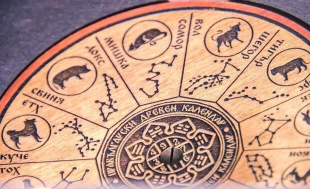 Астролог Кройцер рассказала, какое влияние окажет ретроградный Уран на знаки зодиака