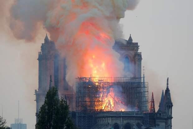 Криминалисты назвали причину пожара в Нотр-Даме