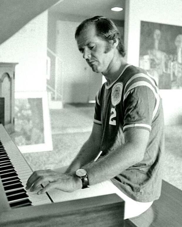 20 архивных фотографий знаменитостей 70-х годов