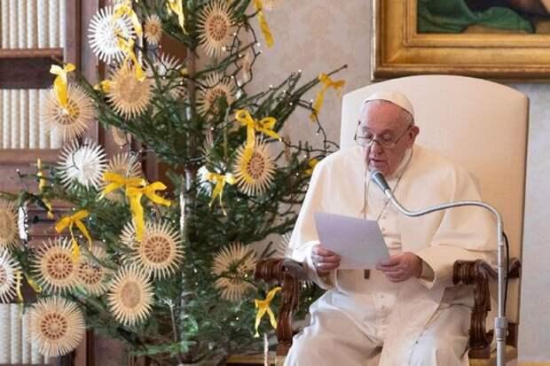Папа Римский Франциск пропустил новогоднюю службу из-за недомогания