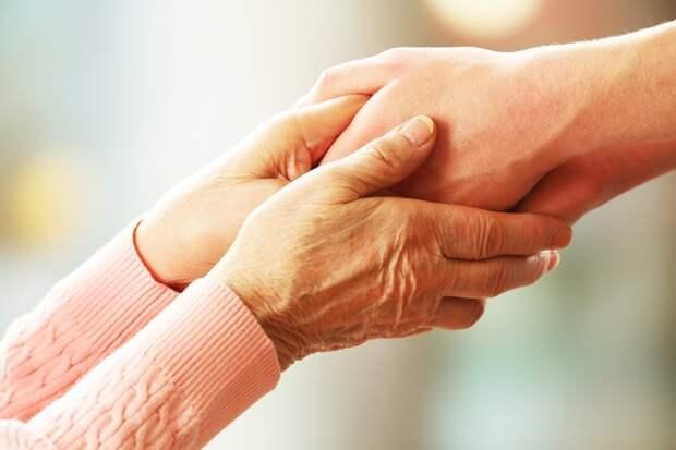 В Удмуртии 209 опекунов получили деньги по уходу за престарелыми, сиротами и инвалидами