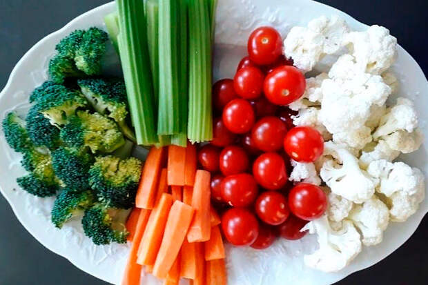 Рецепты Маргариты Симоньян: Овощи с соусом блю-чиз