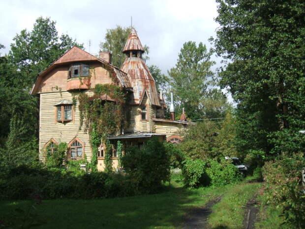 Почем под Петербургом продают дачу 1900 года постройки