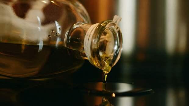 Нутрициолог рассказал, какое масло более полезно для здоровья