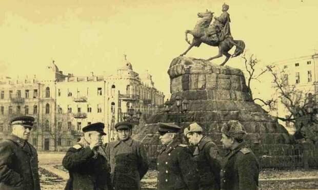 Геббельсовские фальшивки снова оболванивают Украину