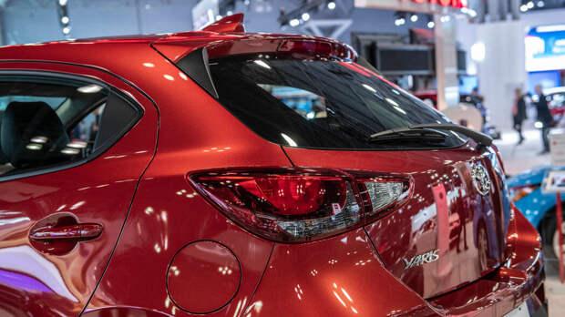 Хэтчбек Toyota Yaris 2020 года выпуска для Америки это в основном хэтчбек Mazda2 , в отличие от техно-красавца для Европы.