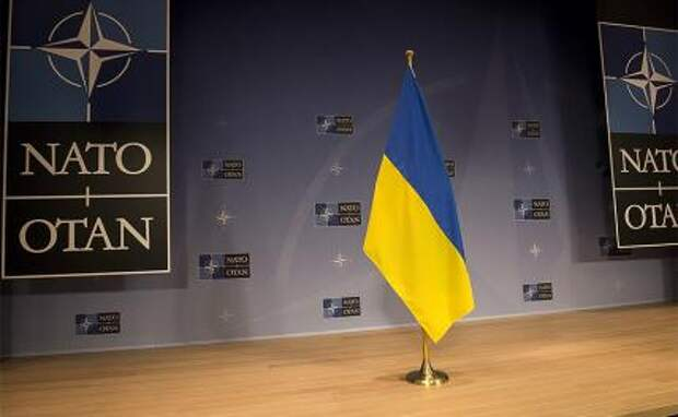 Мечта Киева сбывается: Украину возьмут в НАТО, но как Югославию - по частям