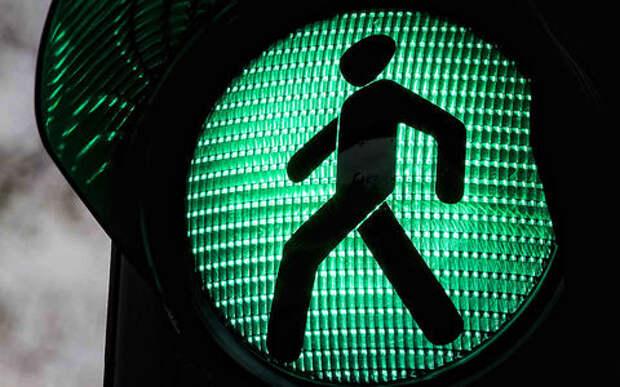 Ни разметки, ни знаков: в Москве сделали смертельно опасный пешеходный переход