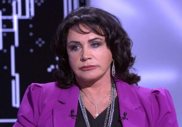 "Надежду Бабкину раскритиковали за ""фарфоровую"" кожу на фото"