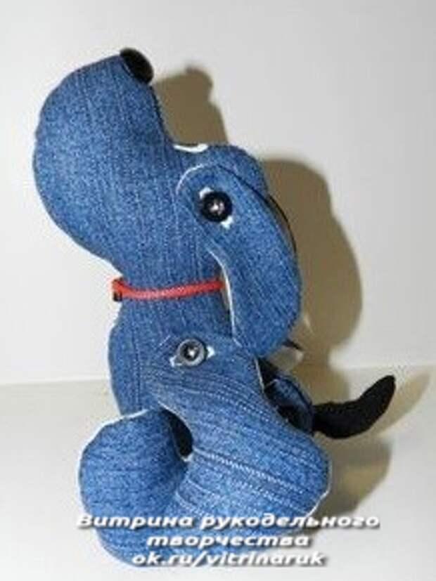 Вот такие позитивные игрушки могут получиться из старых джинсов. Руки чешутся порукодельничать!
