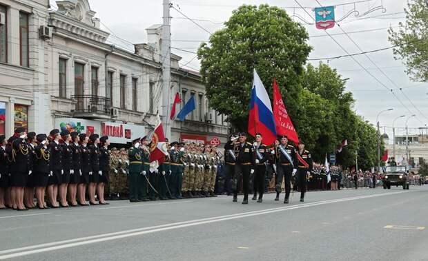 Аксенов передумал отменять парад Победы в столице Крыма