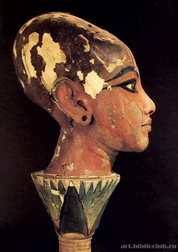 Голова Тутанхамона на цветке лотоса. Работа неизвестного автора 1333-1323 до н.э. / Фото: www.art.biblioclub.ru
