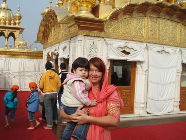 Контрасты Индии. К храму из чистого золота нужно пройти через испытания. Но результат того стоил.