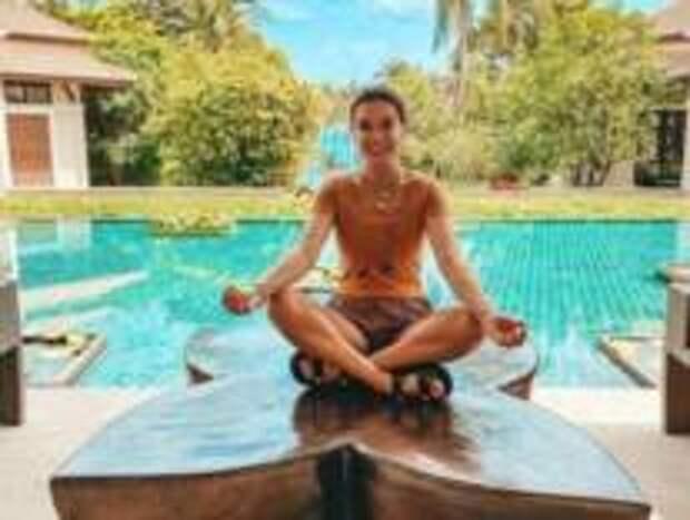 Ксения Бородина «путешествует» на самоизоляции по Таиланду