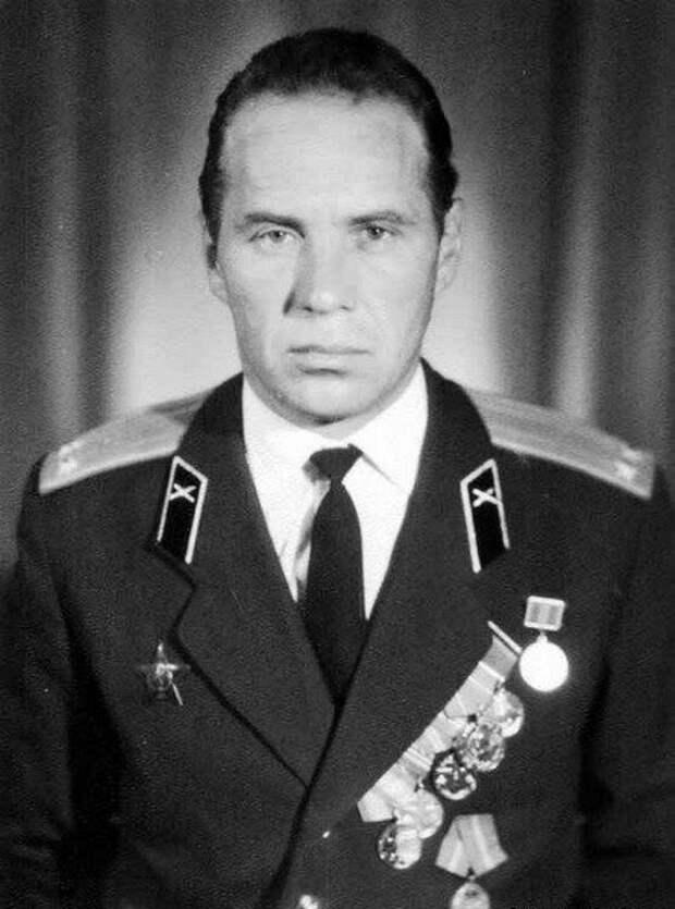 Юрий Трушечкин - герой, сбивший самолет сенатора Маккейна