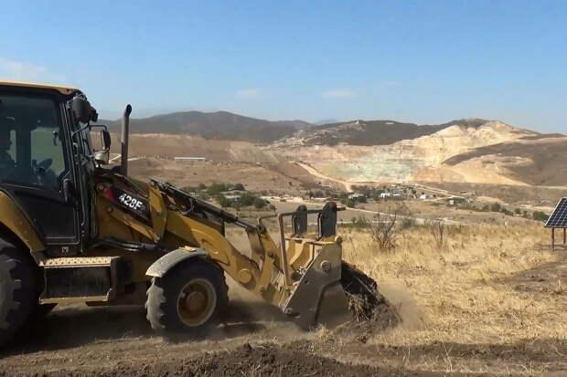 Российские миротворцы обеспечили безопасность при строительстве грунтовой дороги к вышке сотовой связи в Нагорном Карабахе