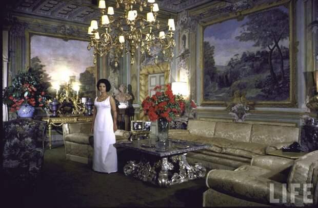 Дольче вита: неизвестные фото молодой Софи Лорен нашикарной вилле