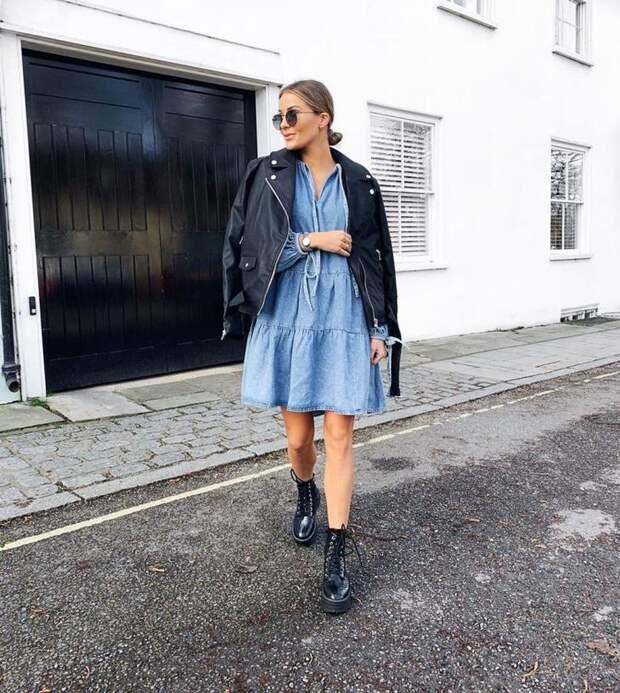 С чем носить джинсовое платье стильным красоткам