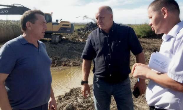 Юрий Гоцанюк проверил работы по чистке рек и ливнёвых канализаций в Керчи