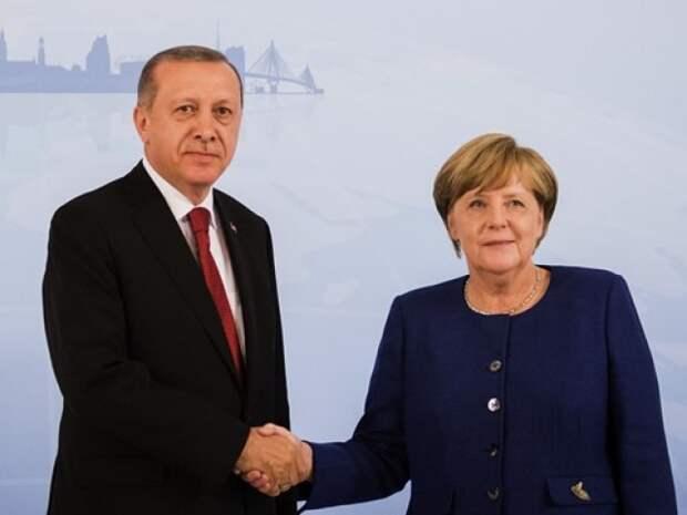 Меркель заявила в Турции о выводе иностранных войск из Ливии