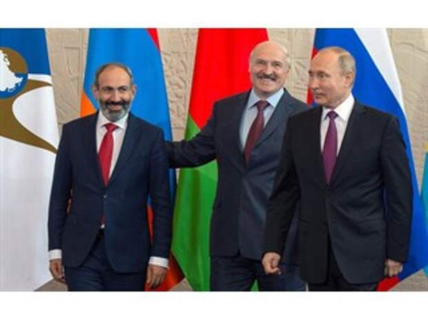 Постсоветским государствам пора определиться с Россией