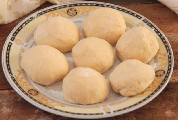 Рецепт пирожков на кефирном тесте, которые совсем не впитывают масло при жарке