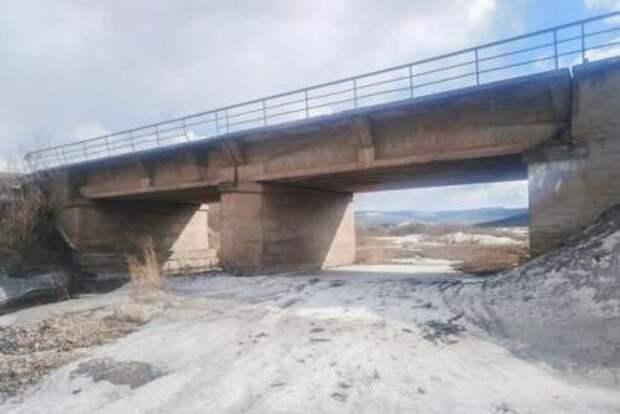 Первый этап капремонта дороги а-9,1 км и моста через реку Паниха выполнили в Усть-Кутском районе
