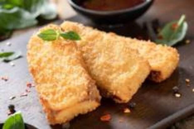 Горячие рецепта холодной осени - Копченый сулугуни в панировке