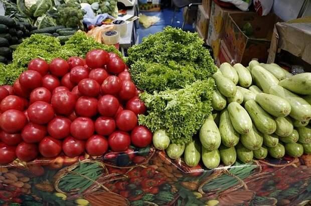 На Кубани увеличат число мест для реализации фермерской продукции