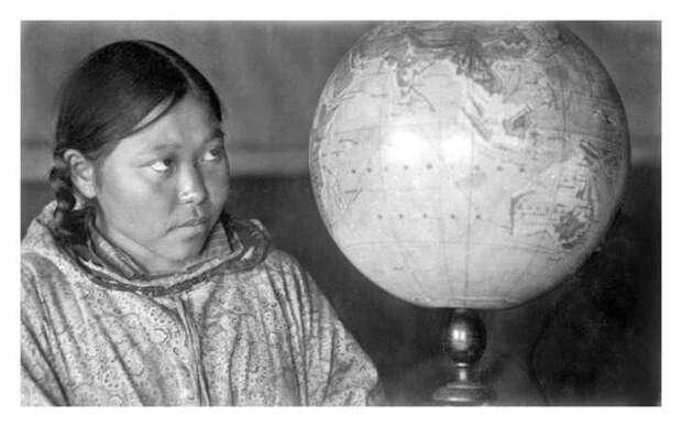 Ученица Альпырахтын из поселка Наукан. Неизвестный автор, 1927–1929 год, Дальневосточный край, Кунсткамера.