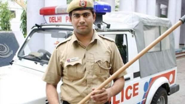 Индийские полицейские употребили и продали 159 из 160 кг конфискованных запрещённых веществ (3 фото)