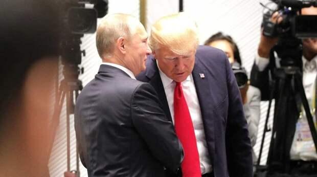 """""""Это унизительно"""": Трампа назвали покорным Путину"""