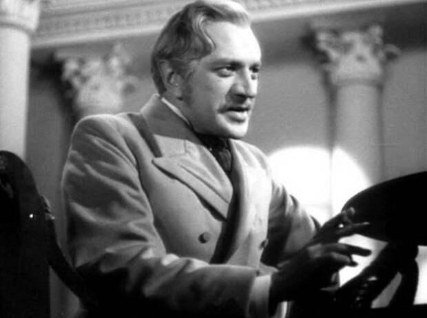 Михаил Астангов – актер, которого называли настоящим отцом Юрия Чулюкина | Фото: teleprogramma.pro