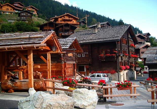 Живописная валезанская деревня Грименц