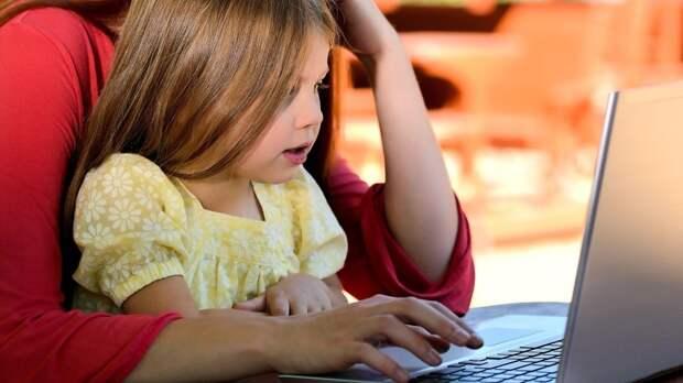 В Кремле разъяснили порядок выплат на детей из неполных семей