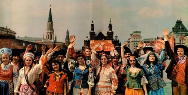 Народы бывшего Союза с надеждой смотрят на Россию